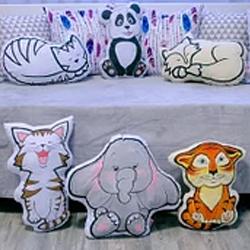 Декоративные коврики, подушки, пуфы